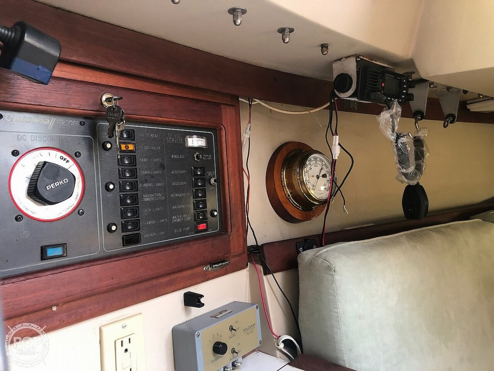 1988 Catalina Yachts boat for sale, model of the boat is 30 Tall Rig & Image # 36 of 40
