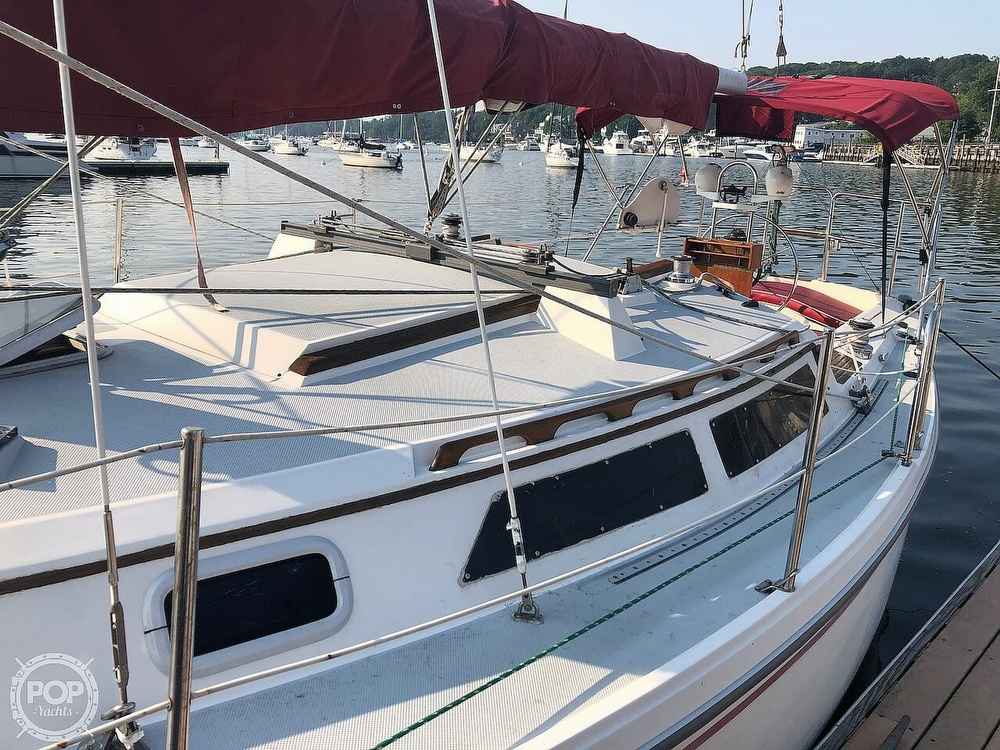 1988 Catalina Yachts boat for sale, model of the boat is 30 Tall Rig & Image # 2 of 40