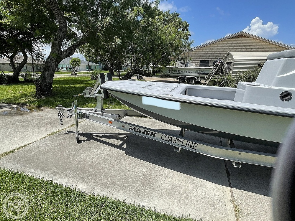 2018 Majek boat for sale, model of the boat is M2 Illusion & Image # 3 of 40