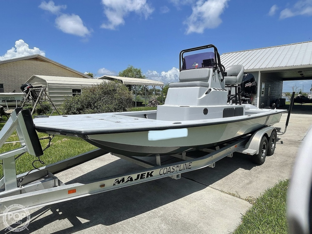2018 Majek boat for sale, model of the boat is M2 Illusion & Image # 4 of 40