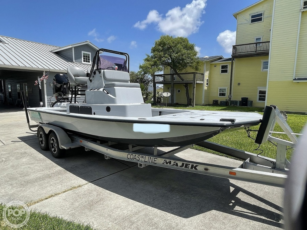 2018 Majek boat for sale, model of the boat is M2 Illusion & Image # 7 of 40