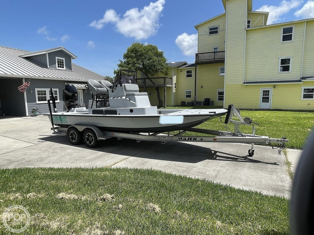 2018 Majek boat for sale, model of the boat is M2 Illusion & Image # 8 of 40
