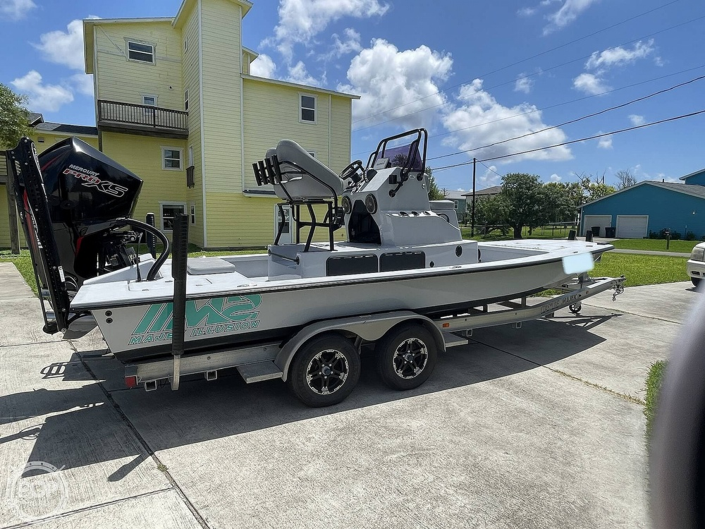 2018 Majek boat for sale, model of the boat is M2 Illusion & Image # 9 of 40