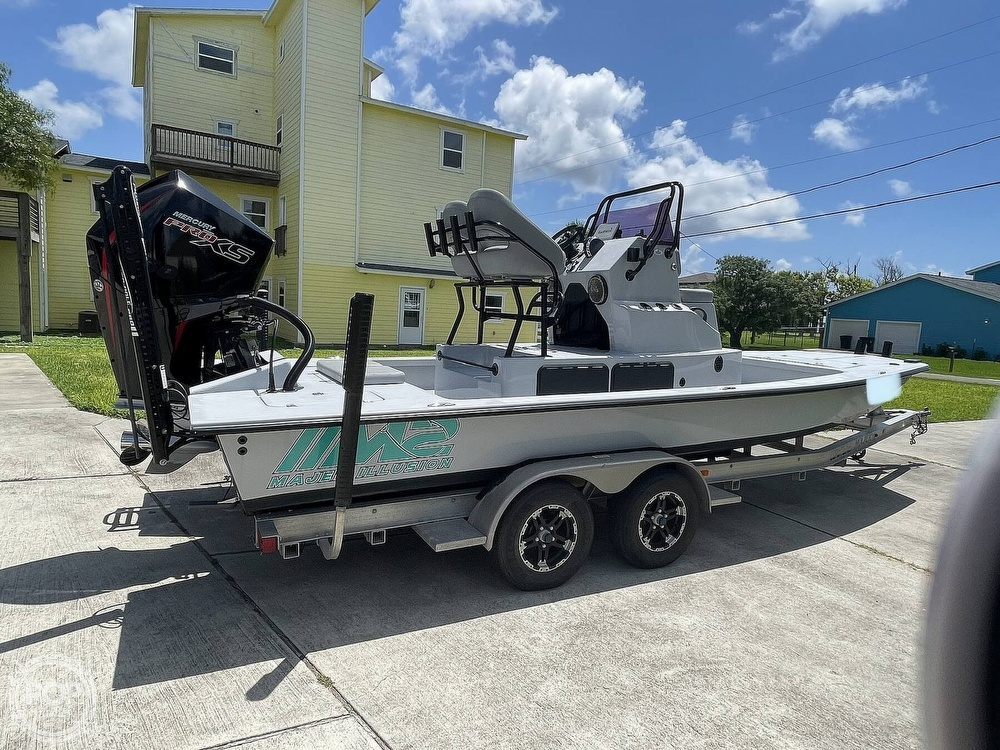 2018 Majek boat for sale, model of the boat is M2 Illusion & Image # 10 of 40