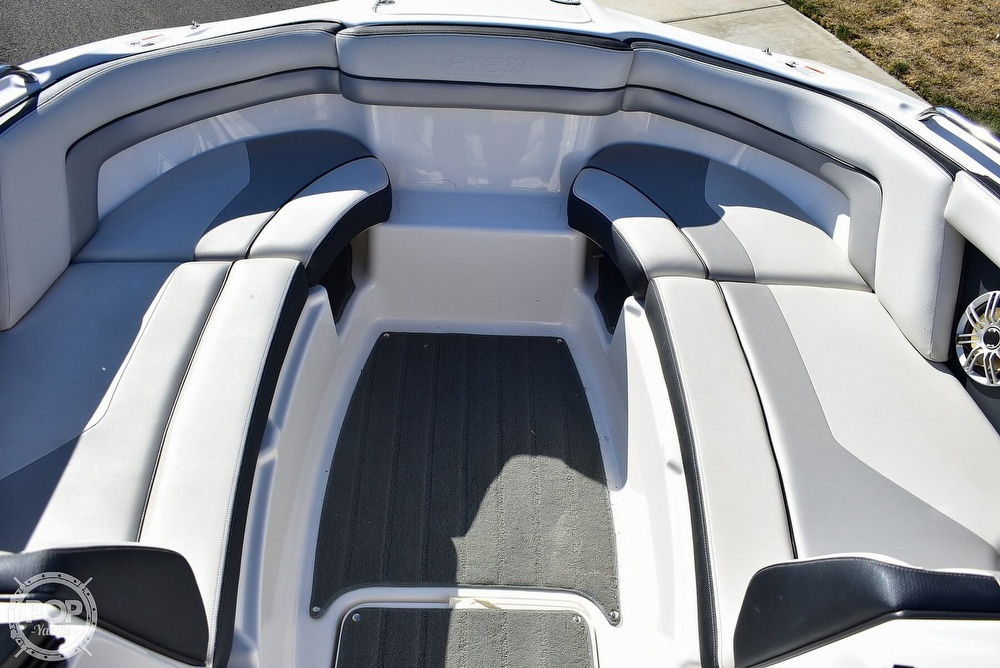 2015 Yamaha boat for sale, model of the boat is 212X High Output & Image # 33 of 40