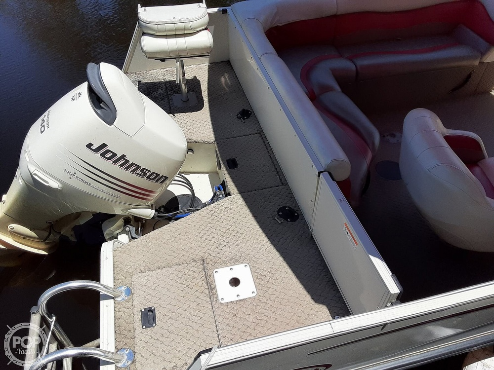 2006 Lowe boat for sale, model of the boat is Tahiti 224 & Image # 7 of 40