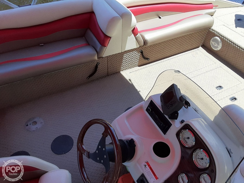 2006 Lowe boat for sale, model of the boat is Tahiti 224 & Image # 12 of 40
