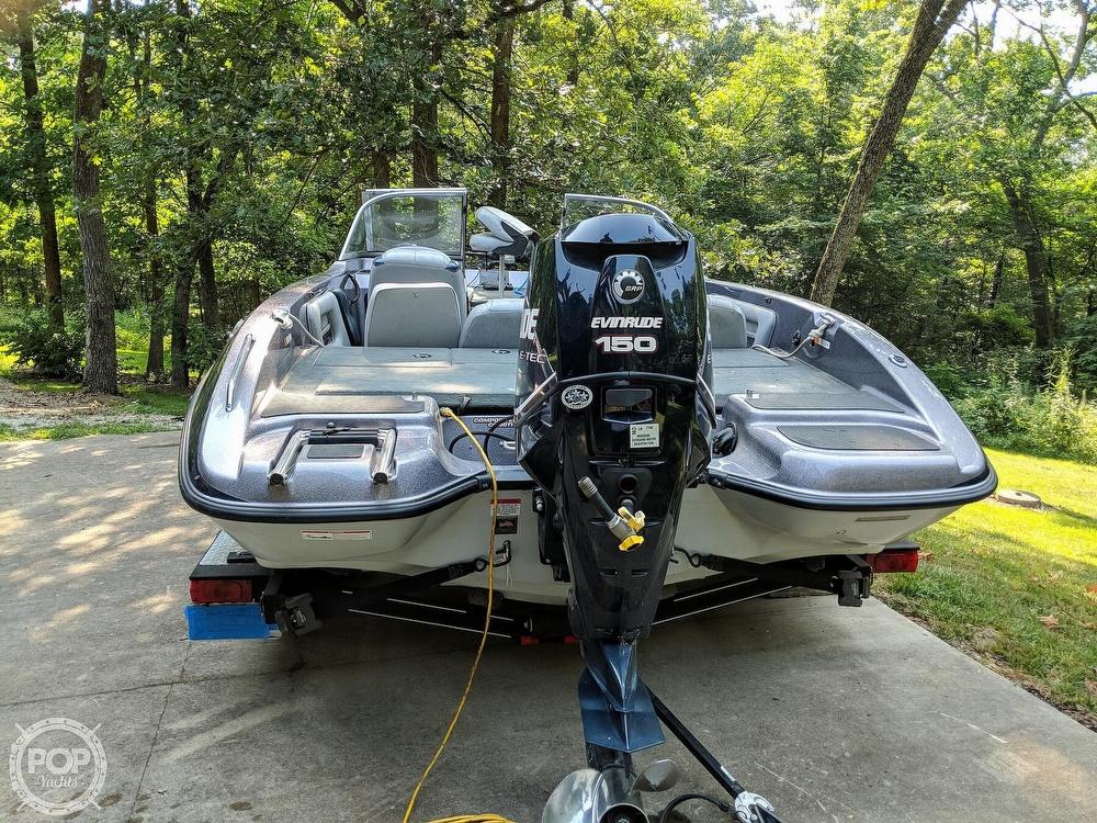 2008 Stratos boat for sale, model of the boat is 486 SE & Image # 3 of 40