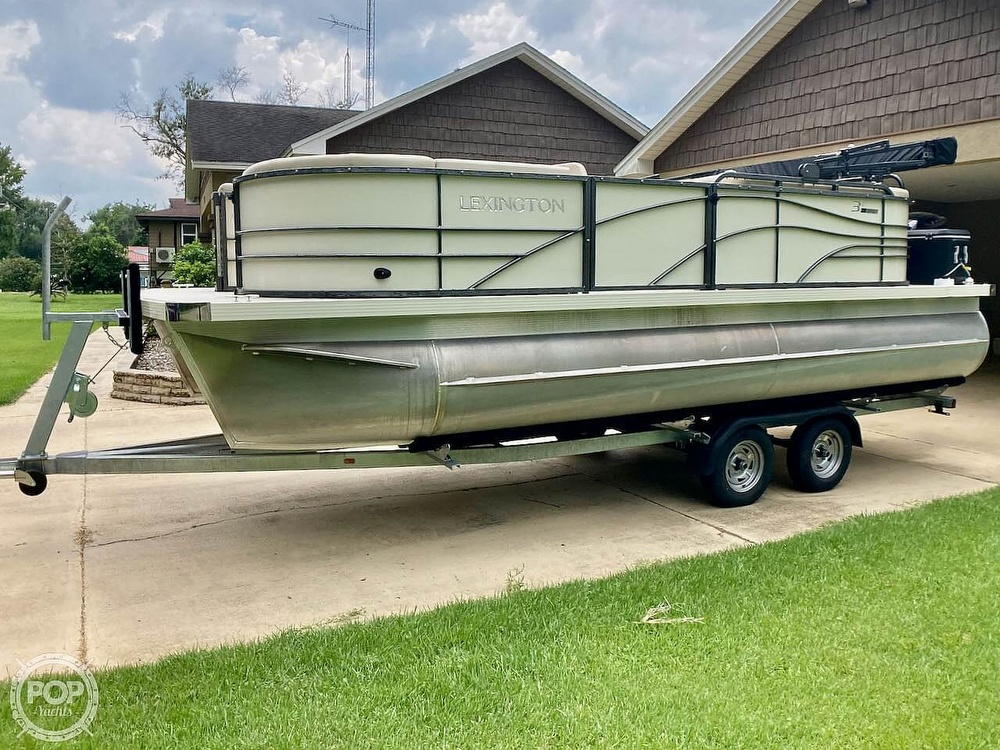 2021 Lexington boat for sale, model of the boat is 321 & Image # 24 of 40
