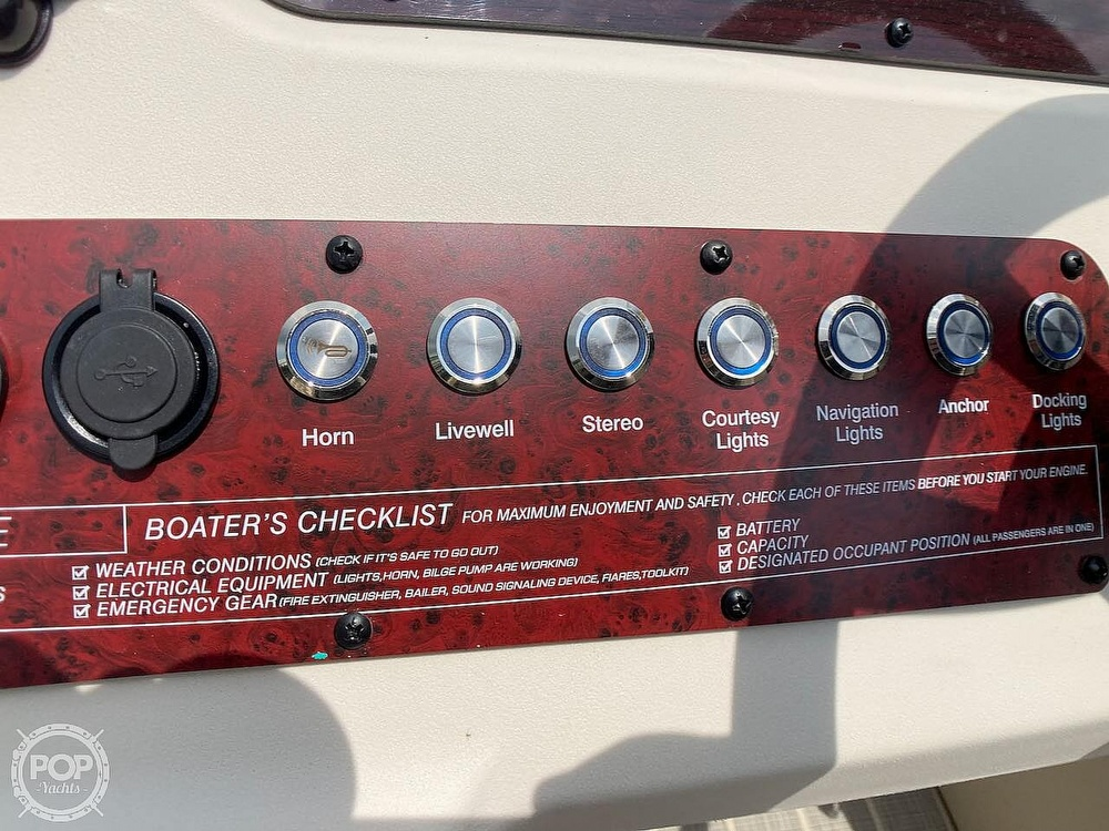 2021 Lexington boat for sale, model of the boat is 321 & Image # 23 of 40