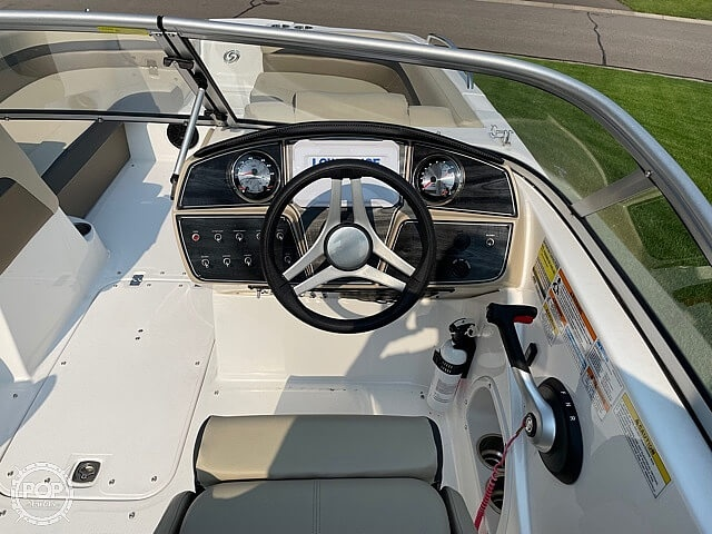 2020 Hurricane boat for sale, model of the boat is sd217 & Image # 9 of 14