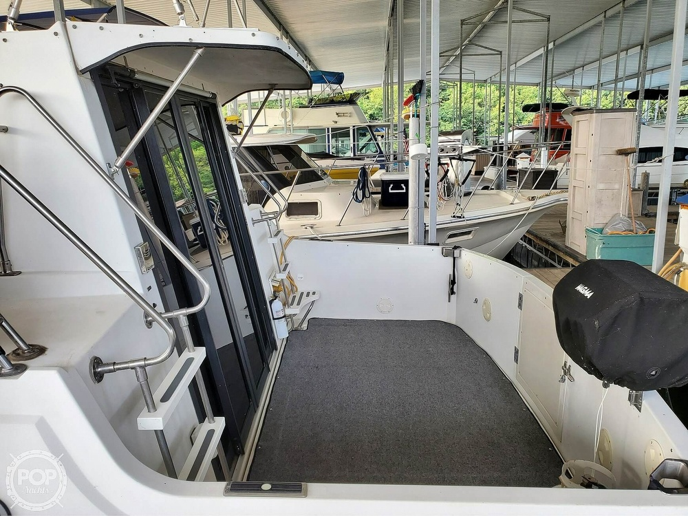 1989 Carver boat for sale, model of the boat is Mariner 3297 & Image # 6 of 40