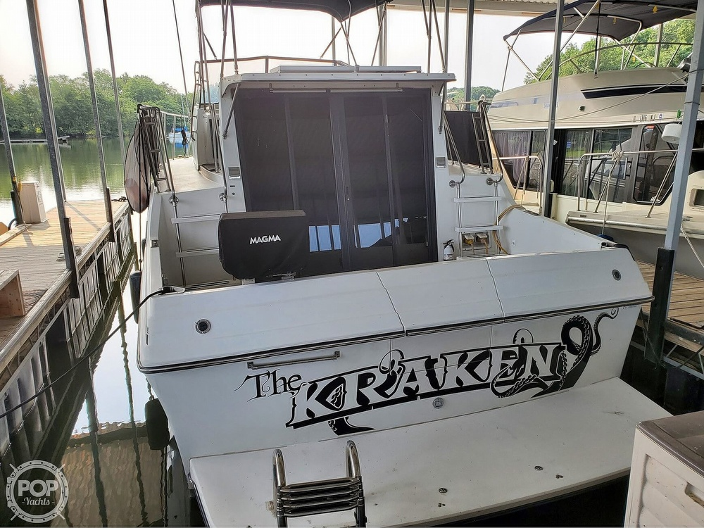 1989 Carver boat for sale, model of the boat is Mariner 3297 & Image # 9 of 40