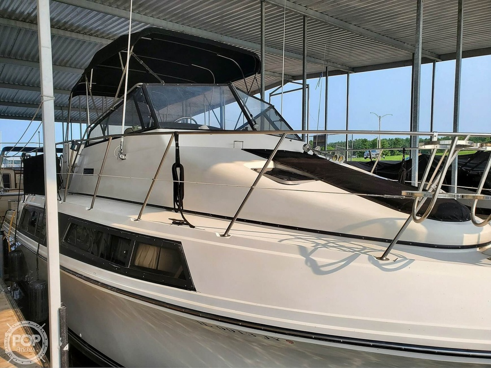 1989 Carver boat for sale, model of the boat is Mariner 3297 & Image # 2 of 40