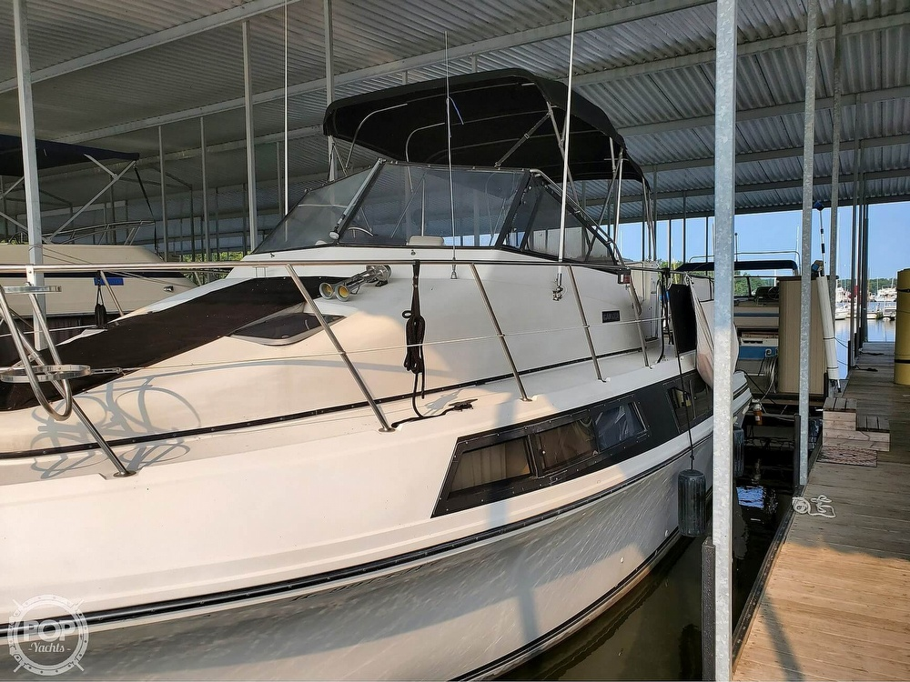 1989 Carver boat for sale, model of the boat is Mariner 3297 & Image # 3 of 40
