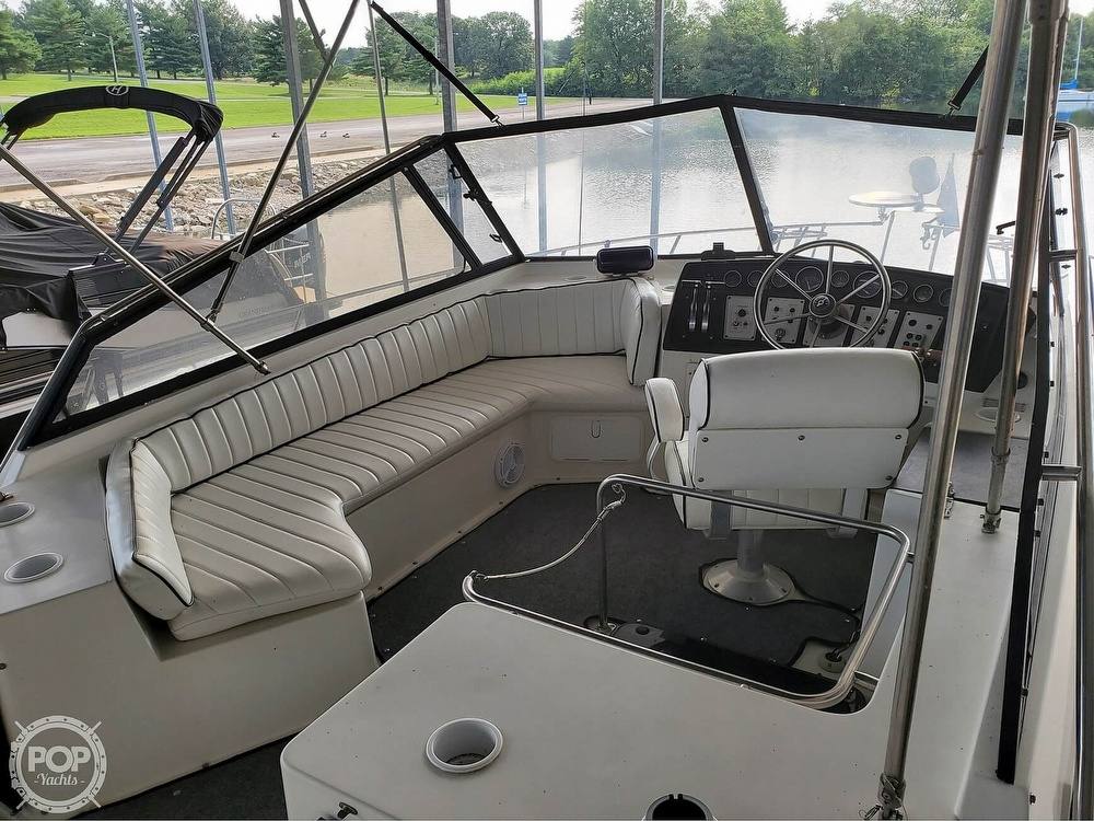 1989 Carver boat for sale, model of the boat is Mariner 3297 & Image # 15 of 40