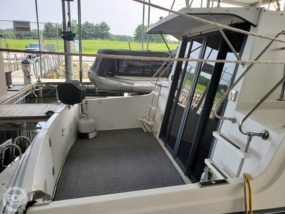 1989 Carver boat for sale, model of the boat is Mariner 3297 & Image # 17 of 40