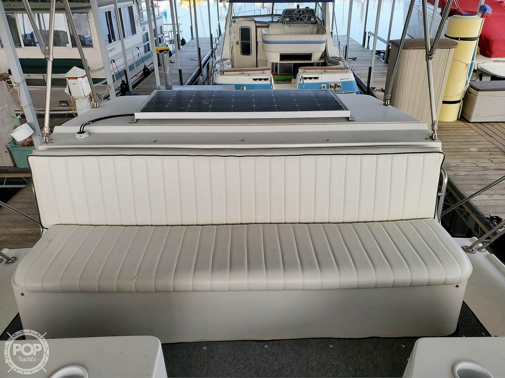 1989 Carver boat for sale, model of the boat is Mariner 3297 & Image # 18 of 40