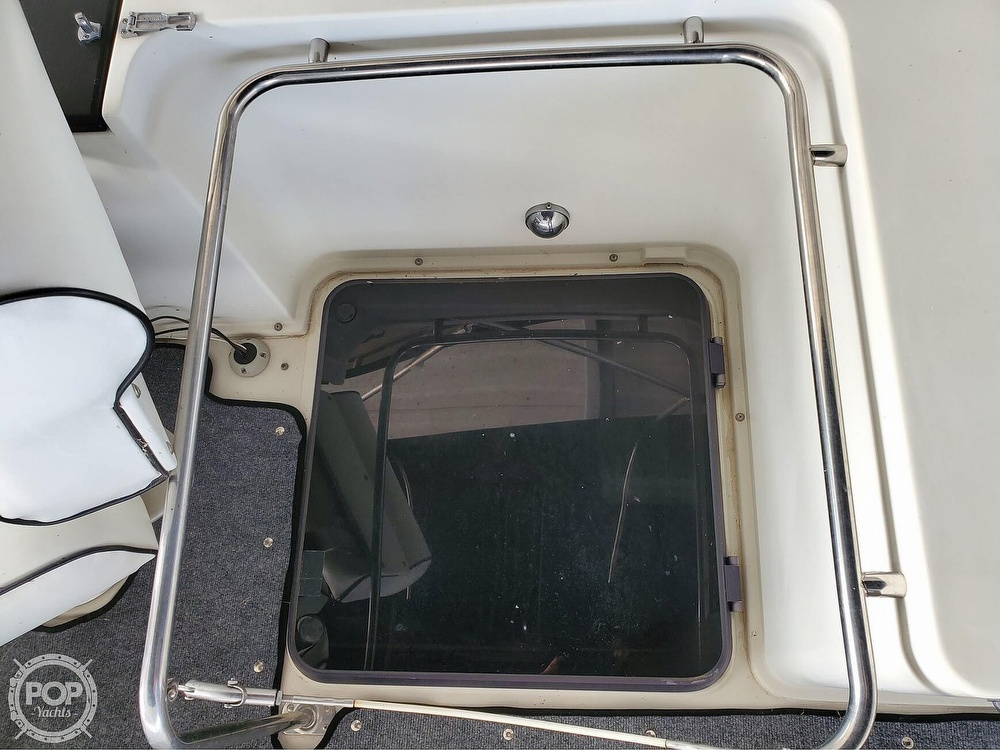 1989 Carver boat for sale, model of the boat is Mariner 3297 & Image # 22 of 40