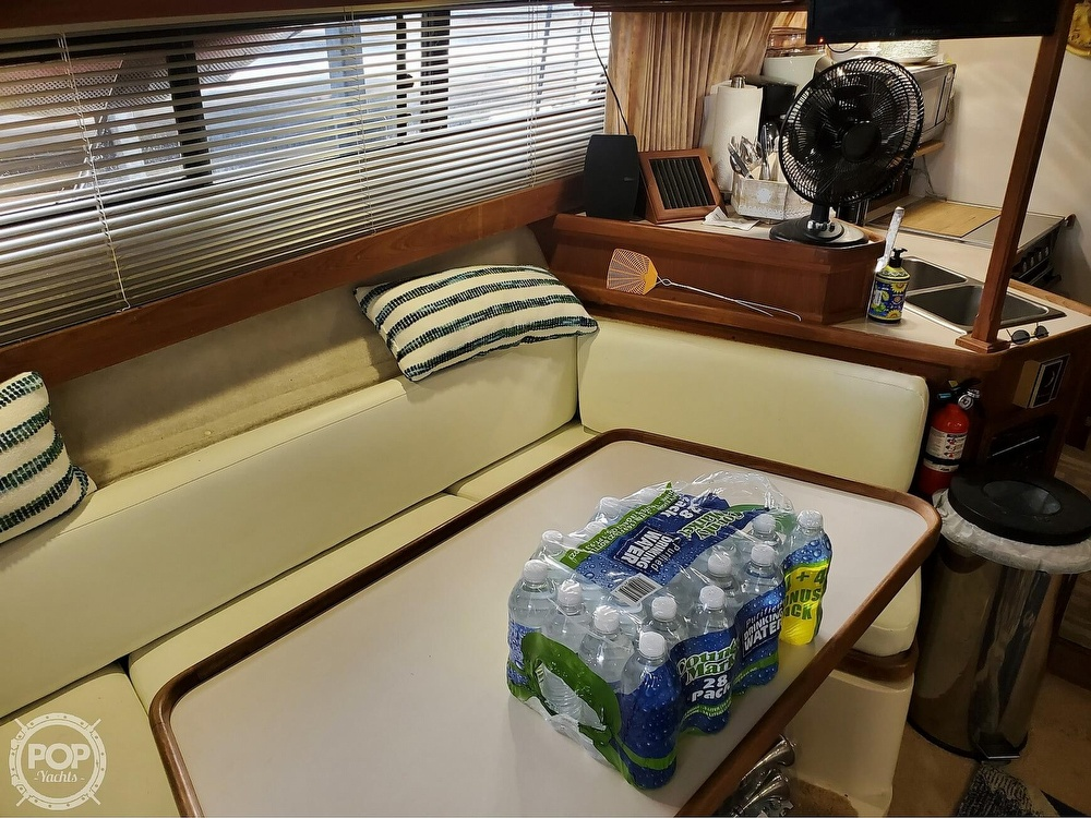 1989 Carver boat for sale, model of the boat is Mariner 3297 & Image # 25 of 40