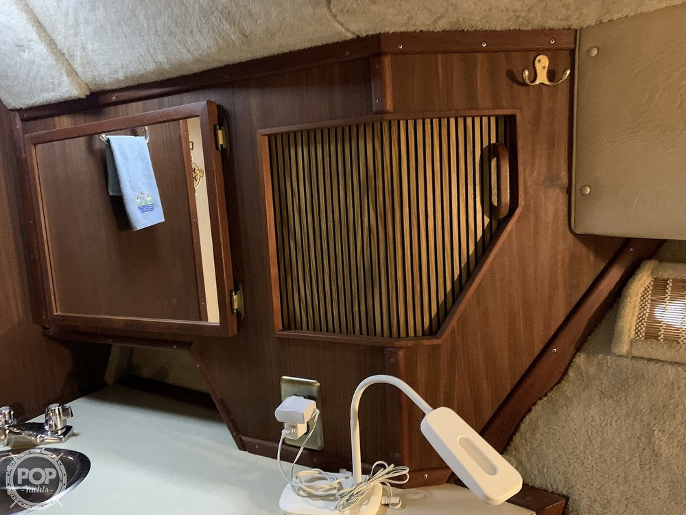 1986 Sea Ray boat for sale, model of the boat is 390 Express & Image # 8 of 40