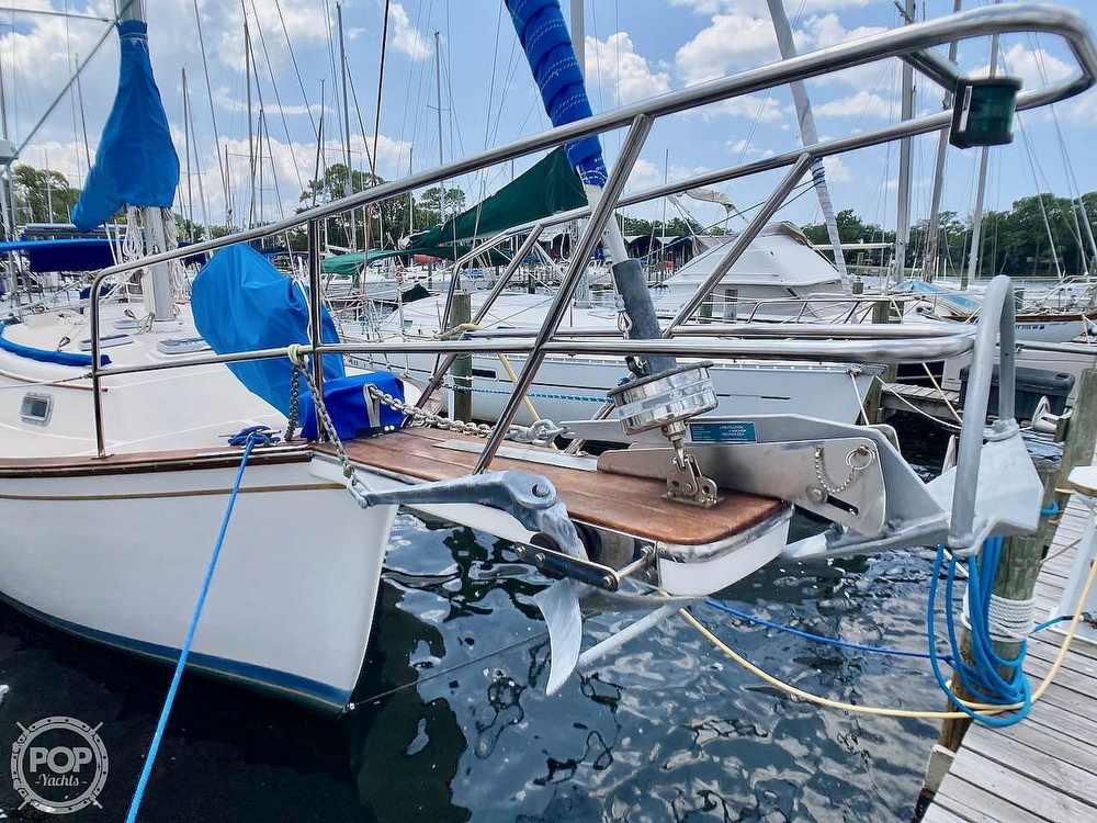 1986 Island Packet boat for sale, model of the boat is IP31 & Image # 4 of 40