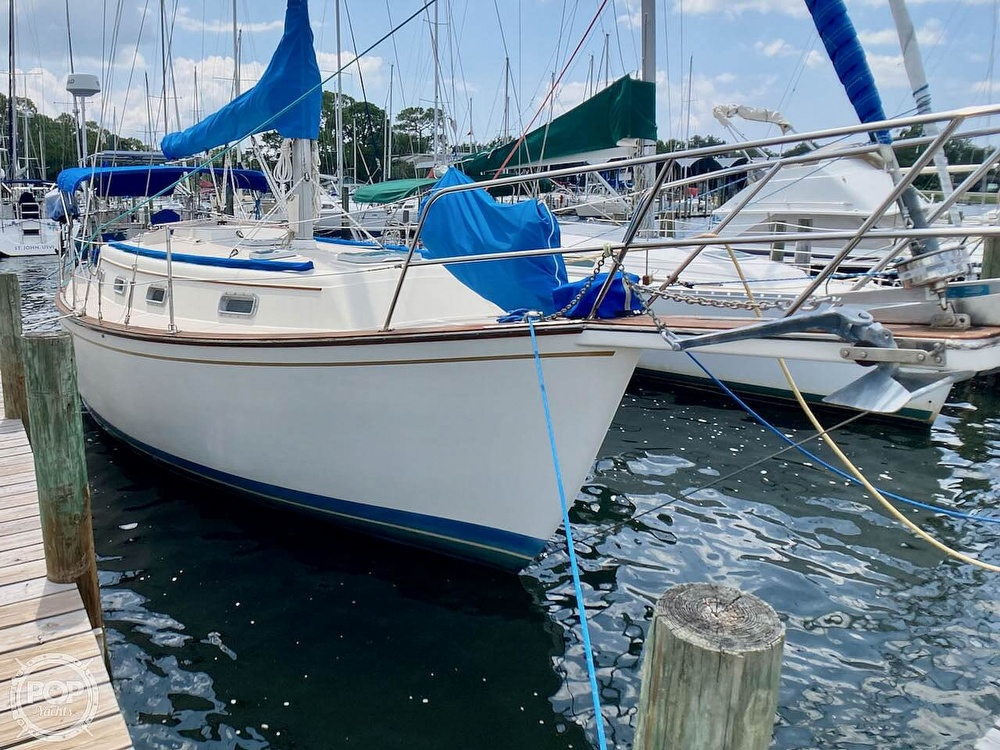 1986 Island Packet boat for sale, model of the boat is IP31 & Image # 5 of 40