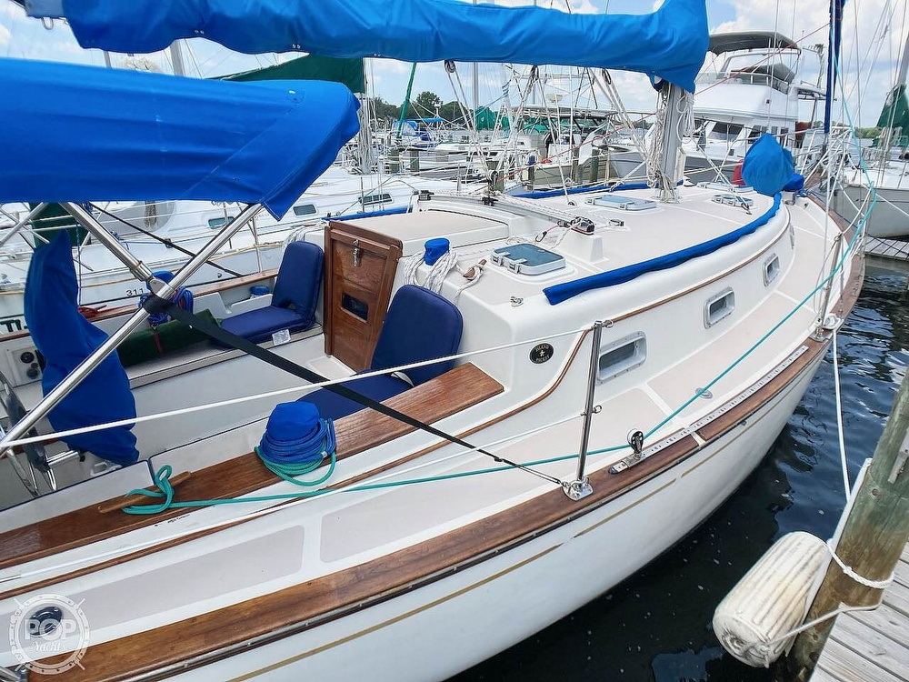 1986 Island Packet boat for sale, model of the boat is IP31 & Image # 10 of 40