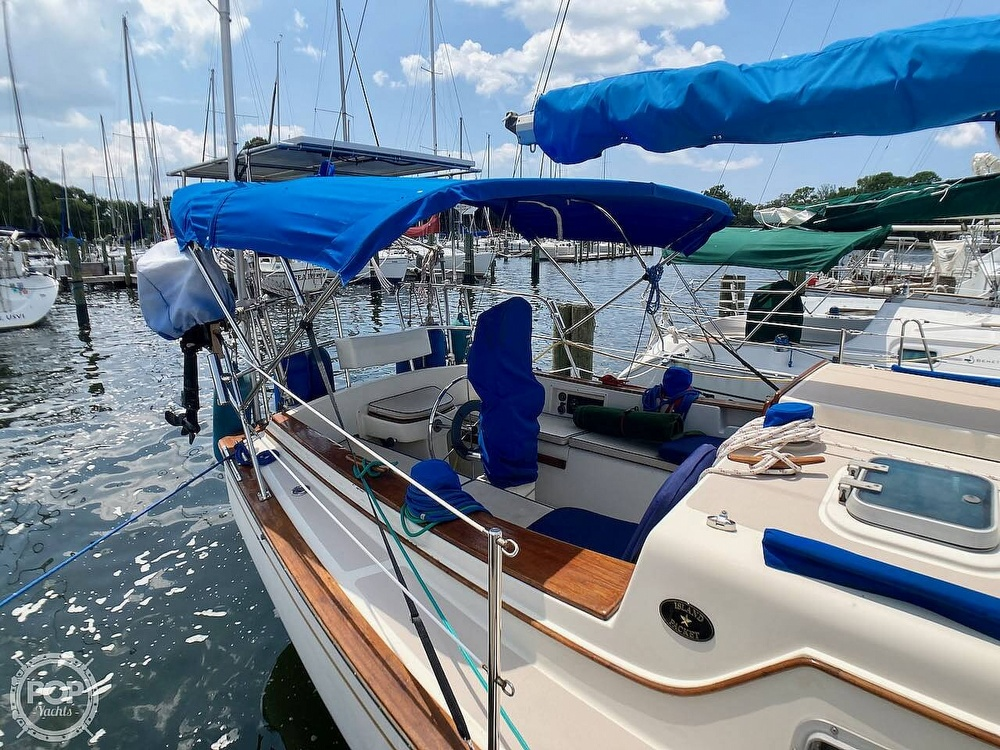 1986 Island Packet boat for sale, model of the boat is IP31 & Image # 17 of 40