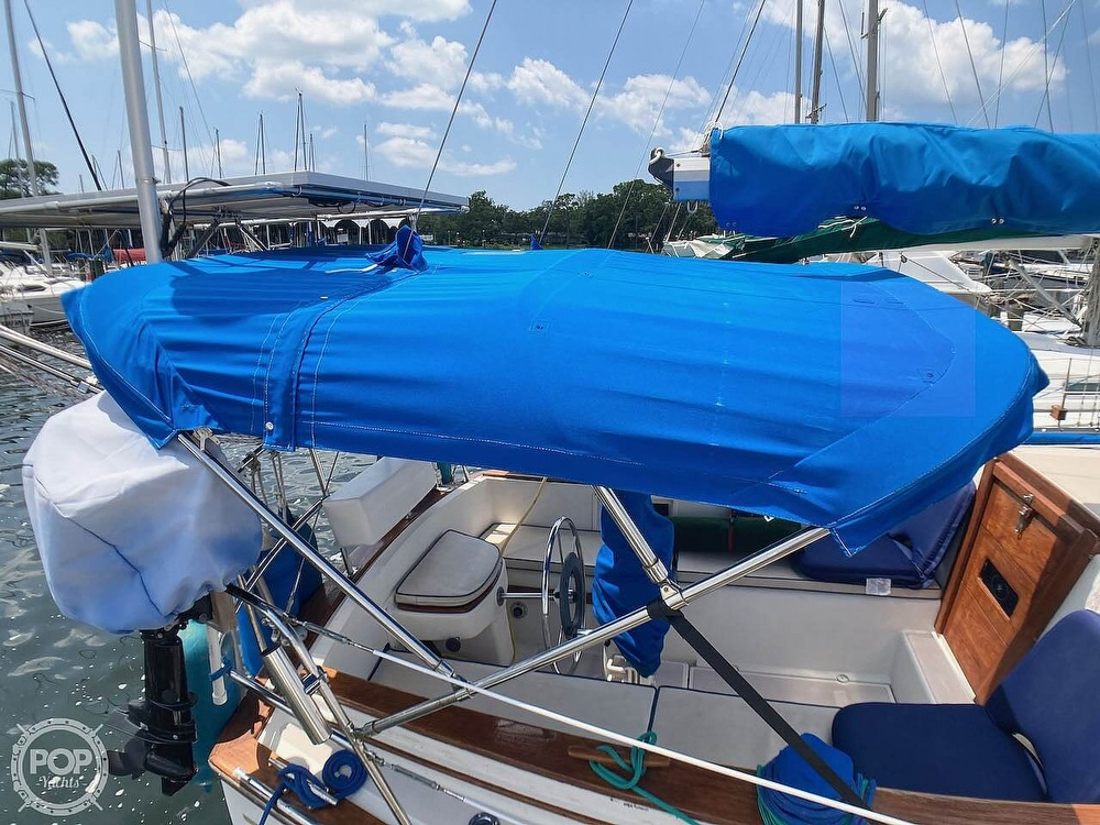 1986 Island Packet boat for sale, model of the boat is IP31 & Image # 18 of 40