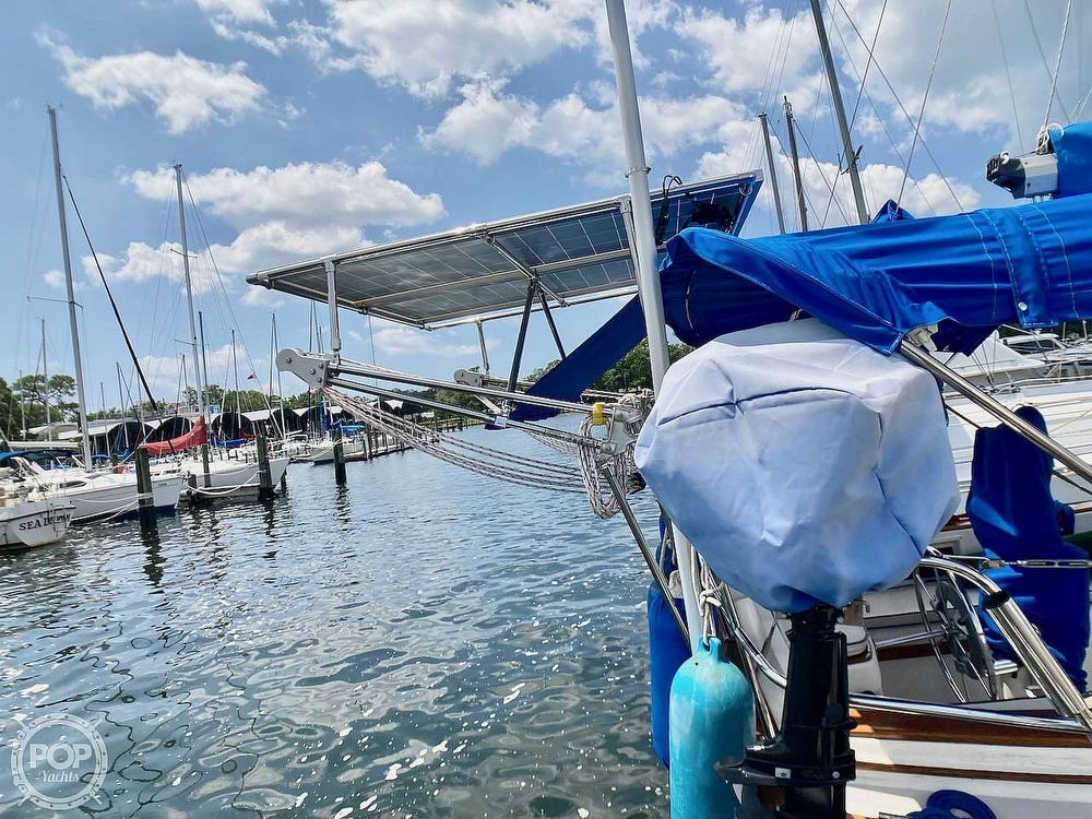 1986 Island Packet boat for sale, model of the boat is IP31 & Image # 20 of 40