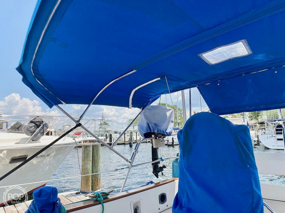 1986 Island Packet boat for sale, model of the boat is IP31 & Image # 21 of 40