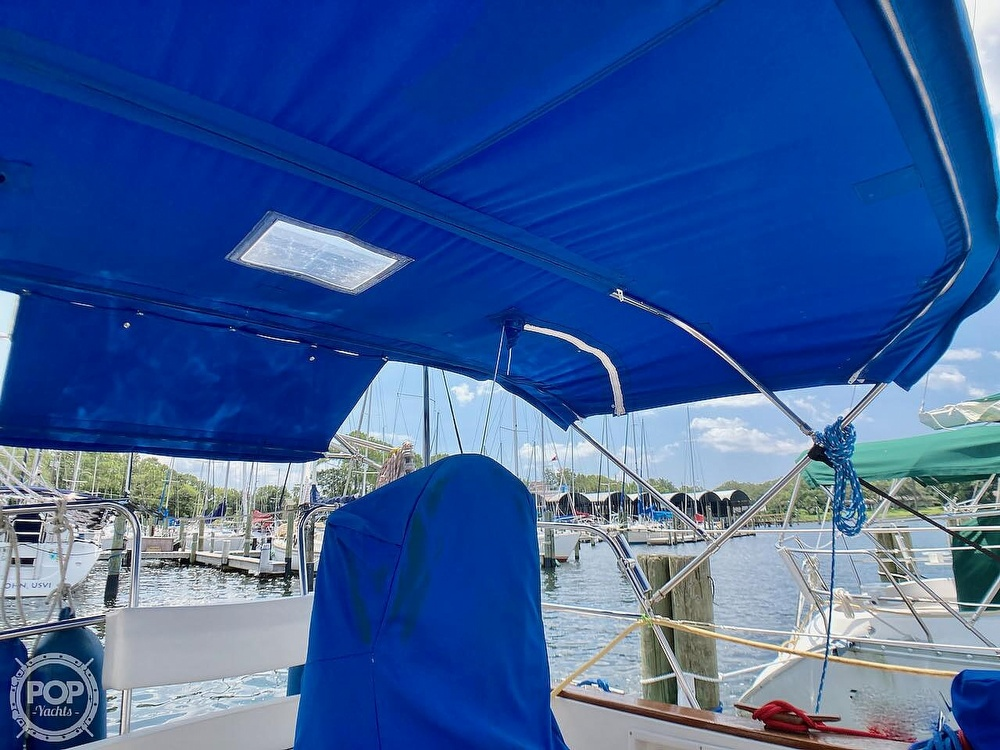 1986 Island Packet boat for sale, model of the boat is IP31 & Image # 22 of 40