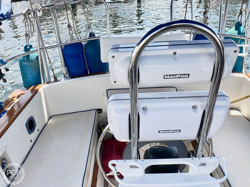 1986 Island Packet boat for sale, model of the boat is IP31 & Image # 36 of 40