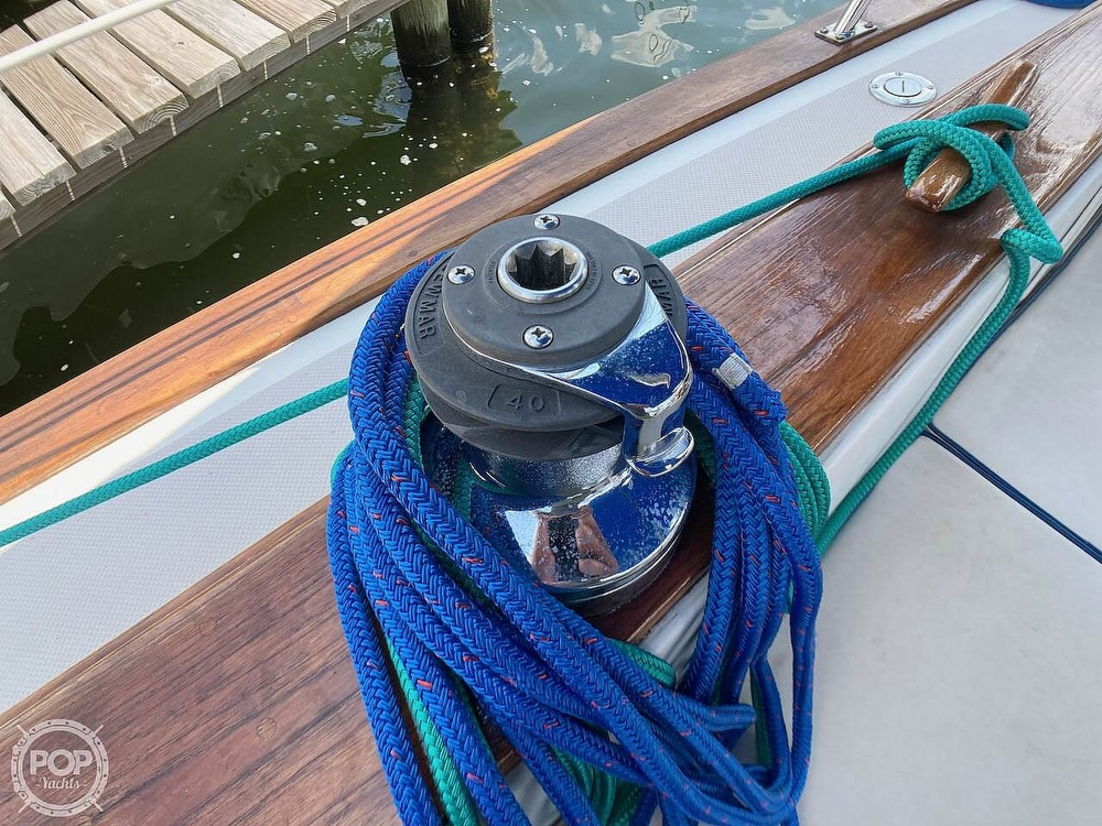 1986 Island Packet boat for sale, model of the boat is IP31 & Image # 38 of 40