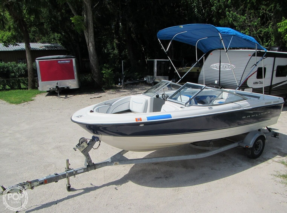 2007 Bayliner boat for sale, model of the boat is Discovery 215 & Image # 13 of 40