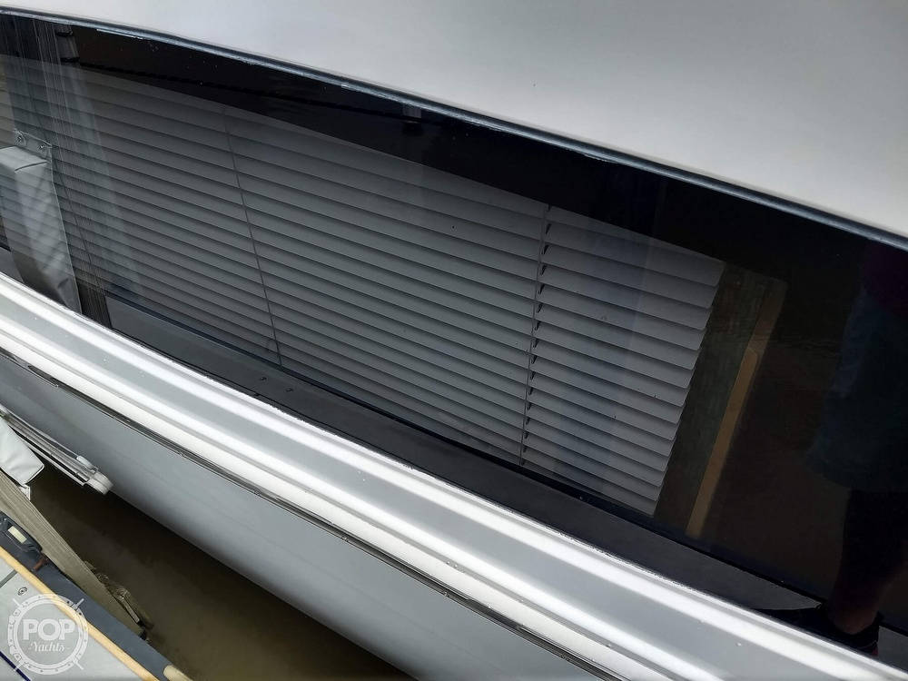 2000 Carver boat for sale, model of the boat is 350 Mariner & Image # 24 of 40