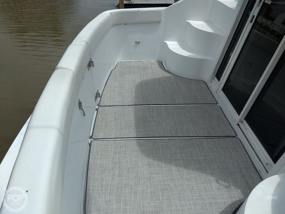2000 Carver boat for sale, model of the boat is 350 Mariner & Image # 32 of 40