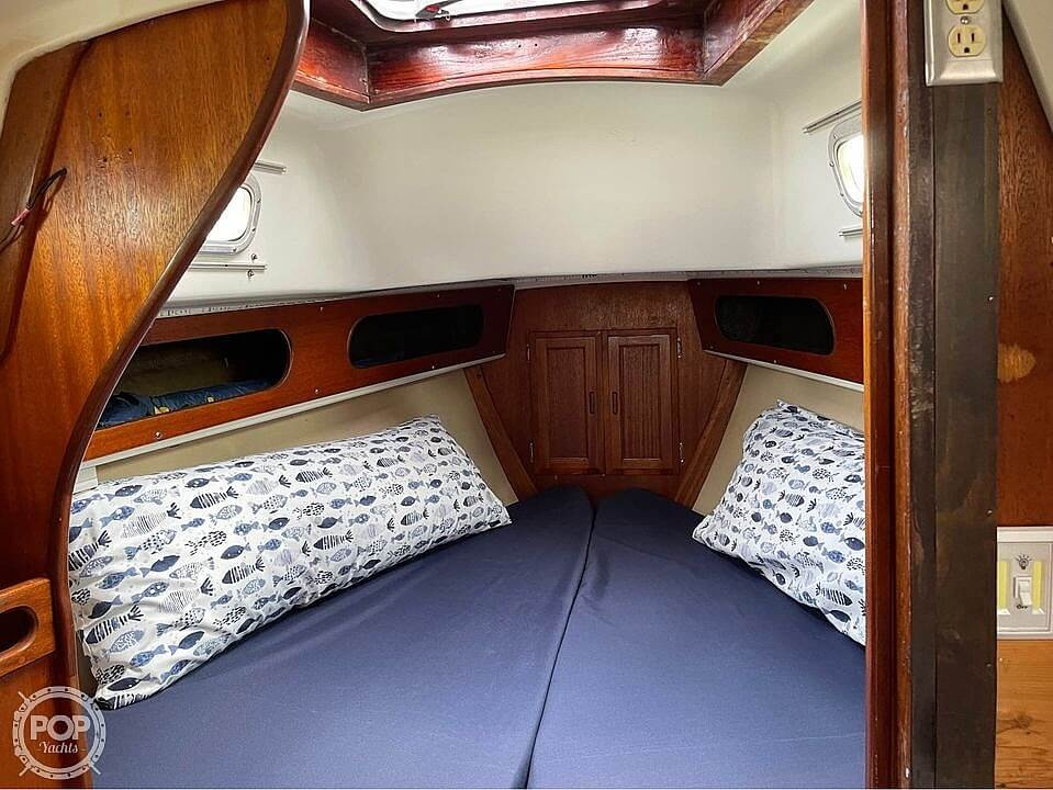 1974 Ericson Yachts boat for sale, model of the boat is 32-2 & Image # 11 of 20