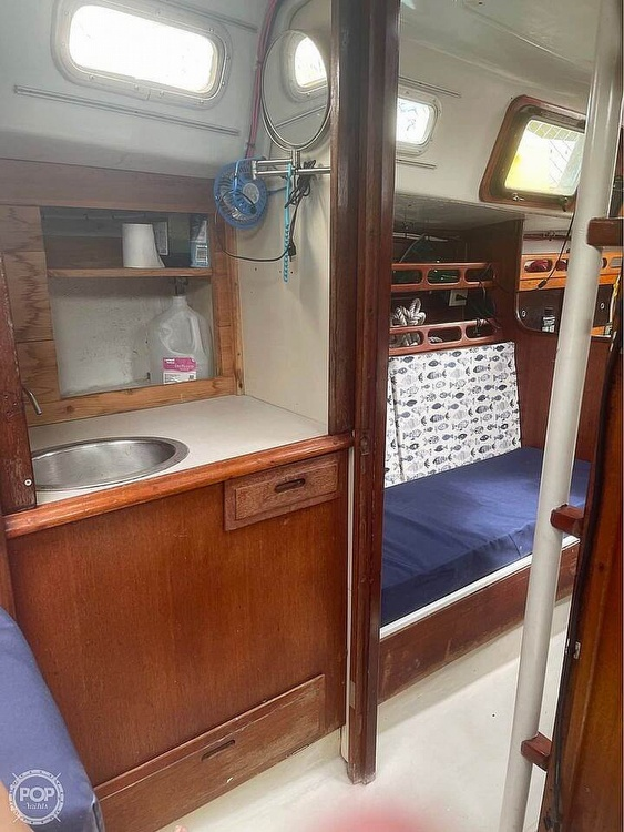 1974 Ericson Yachts boat for sale, model of the boat is 32-2 & Image # 18 of 20