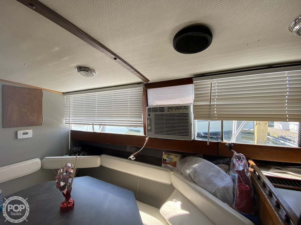 1975 Marinette boat for sale, model of the boat is 32 Sedan & Image # 33 of 40