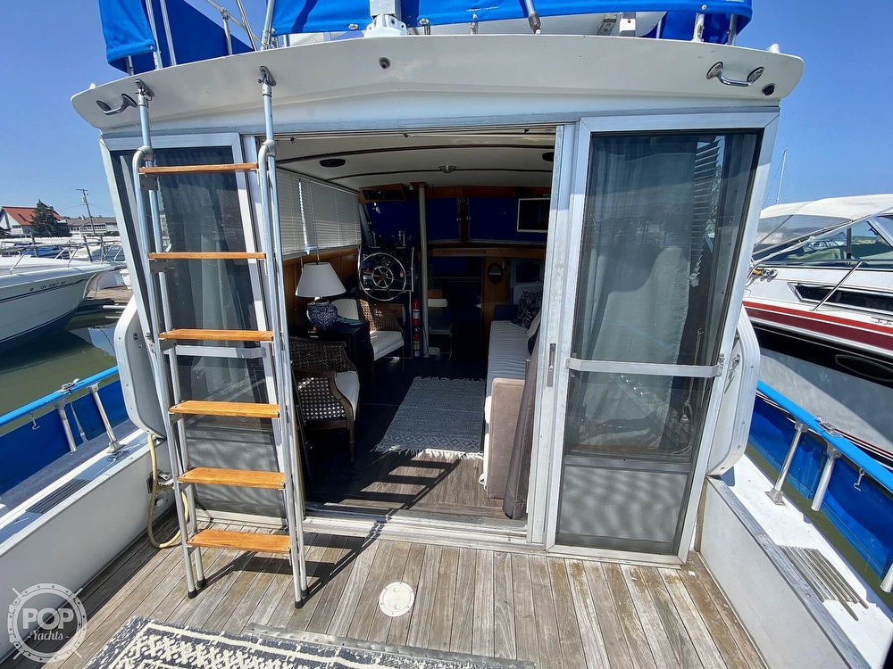 1975 Marinette boat for sale, model of the boat is 32 Sedan & Image # 5 of 40