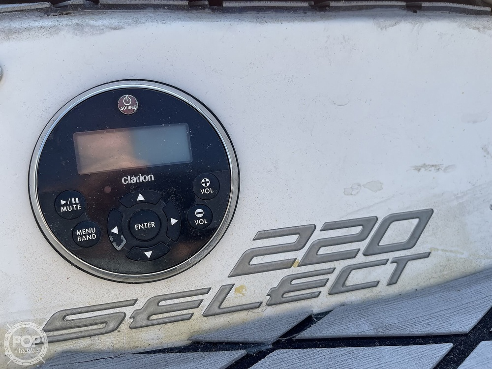 2005 Sea Ray boat for sale, model of the boat is 220 Select & Image # 15 of 40