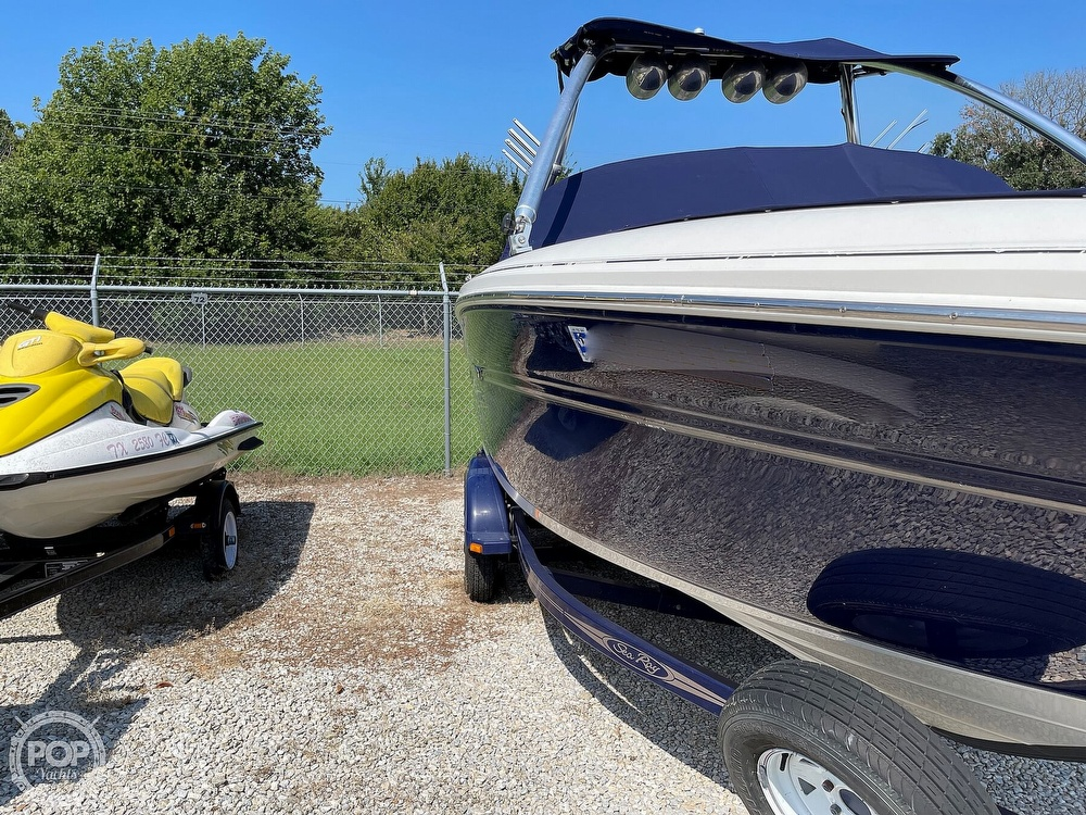 2005 Sea Ray boat for sale, model of the boat is 220 Select & Image # 28 of 40