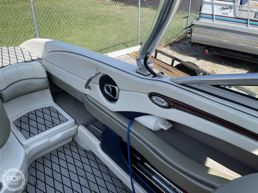 2005 Sea Ray boat for sale, model of the boat is 220 Select & Image # 37 of 40