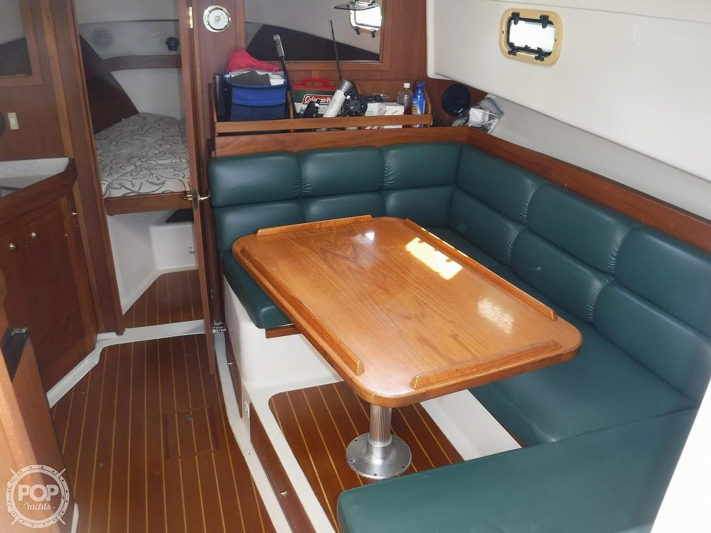 2001 Mainship boat for sale, model of the boat is 34 Pilot & Image # 22 of 40