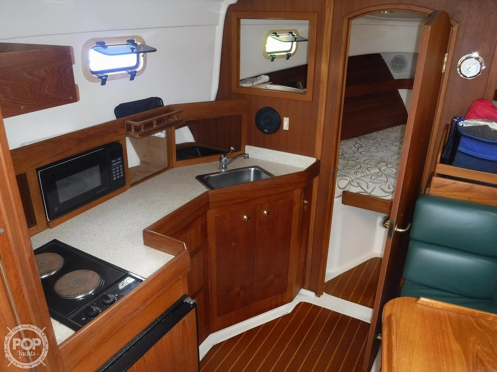 2001 Mainship boat for sale, model of the boat is 34 Pilot & Image # 23 of 40