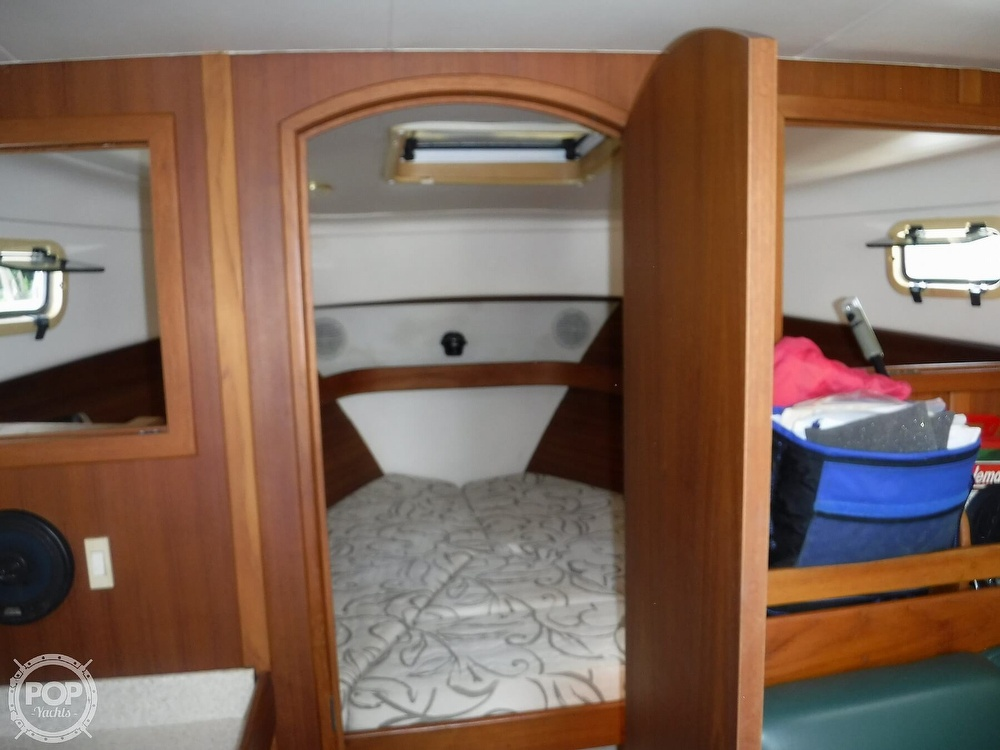2001 Mainship boat for sale, model of the boat is 34 Pilot & Image # 25 of 40