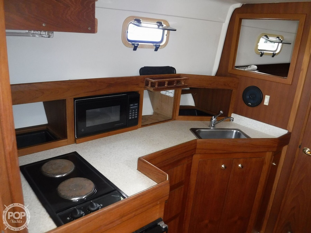 2001 Mainship boat for sale, model of the boat is 34 Pilot & Image # 14 of 40