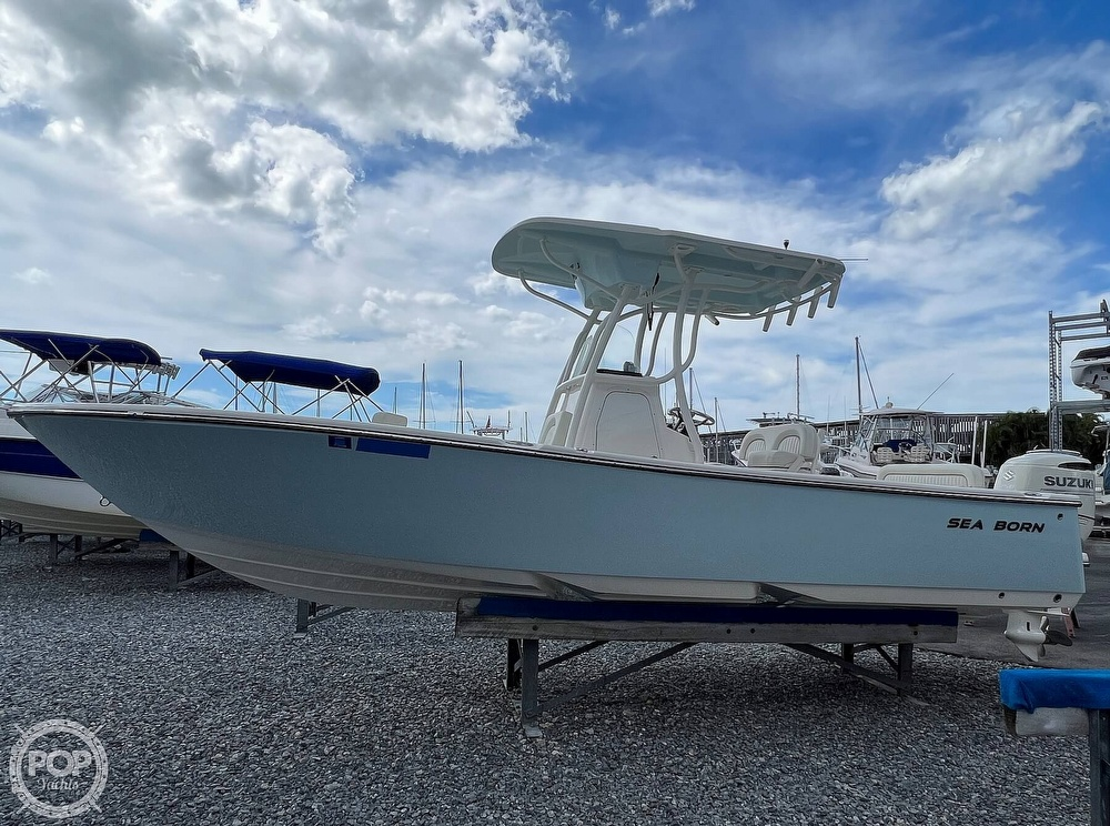 2019 Sea Born boat for sale, model of the boat is LX24 & Image # 15 of 40